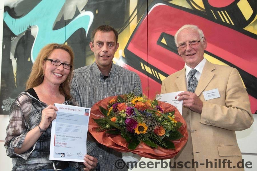 Flüchtlingshilfe Osterath erhält Auszeichnung